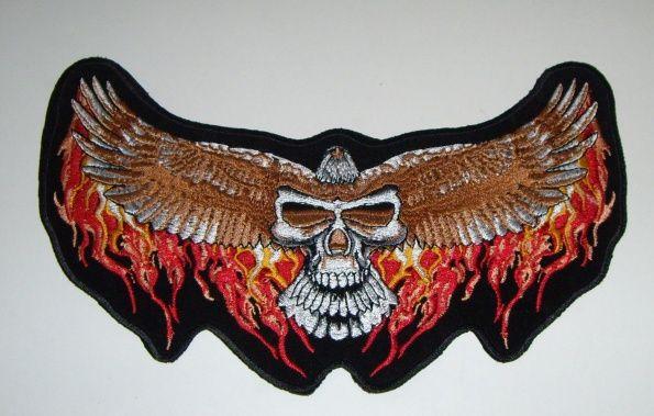 Nášívka Lebka s křídly. NAS710034