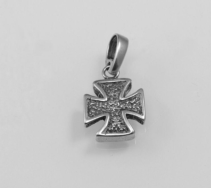 Stříbrný přívěsek Maltézský kříž