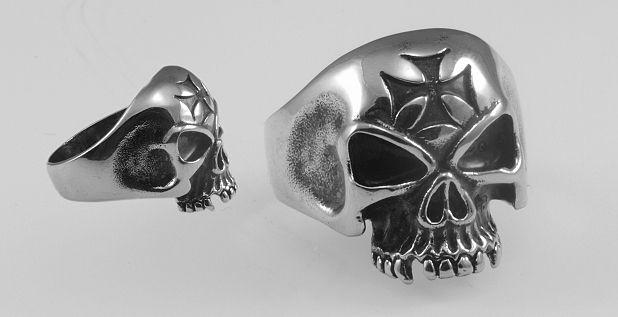 Ocelový prsten Lebka Hadue