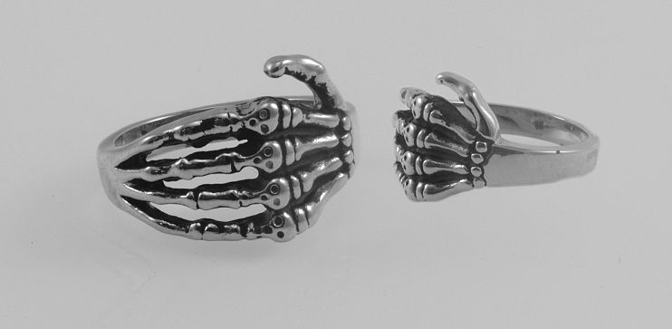 Ocelový prsten Ruka kostlivce. OCPRST210015