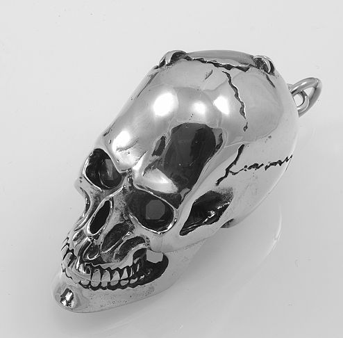 Ocelový přívěsek.Lebka Hallowea. OCPRIV220098