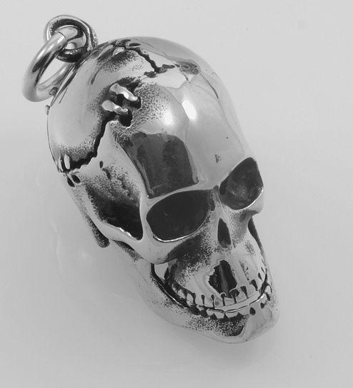 Ocelový přívěsek Lebka Hallowea,menší varianta