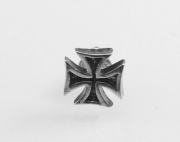 2. Stříbrná náušnice Válečný kříž