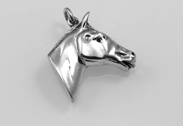 Stříbrný přívěsek Hlava koně