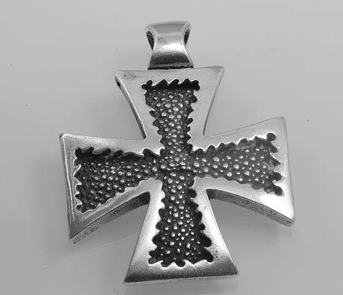 Stříbrný přívěsek Válečný kříž