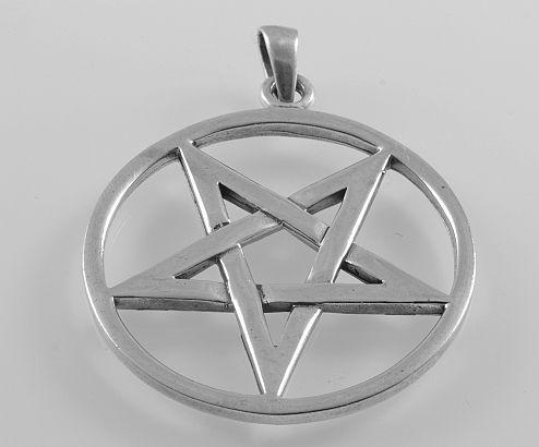 Stříbrný přívěsek Pentagram 8