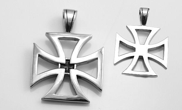 Ocelový přívěsek Maltézský kříž No.011