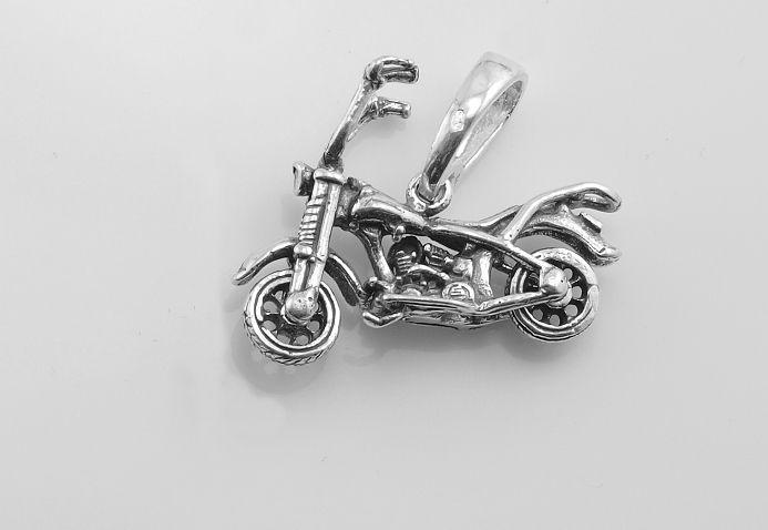 Motorkářský stříbrný přívěsek MOTORKA 06