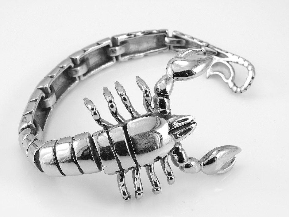 1.Ocelový náramek Škorpión