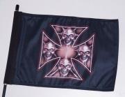 1. Vlajka na motorku Maltézský kříž s lebkami